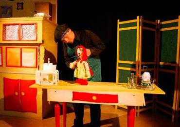 Teatro de títeres en familia en Móstoles: «Una nueva versión de 'Blancanieves»